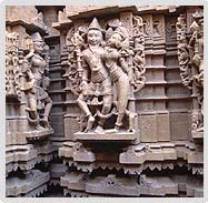 Sculptures at Parshwanath Temple